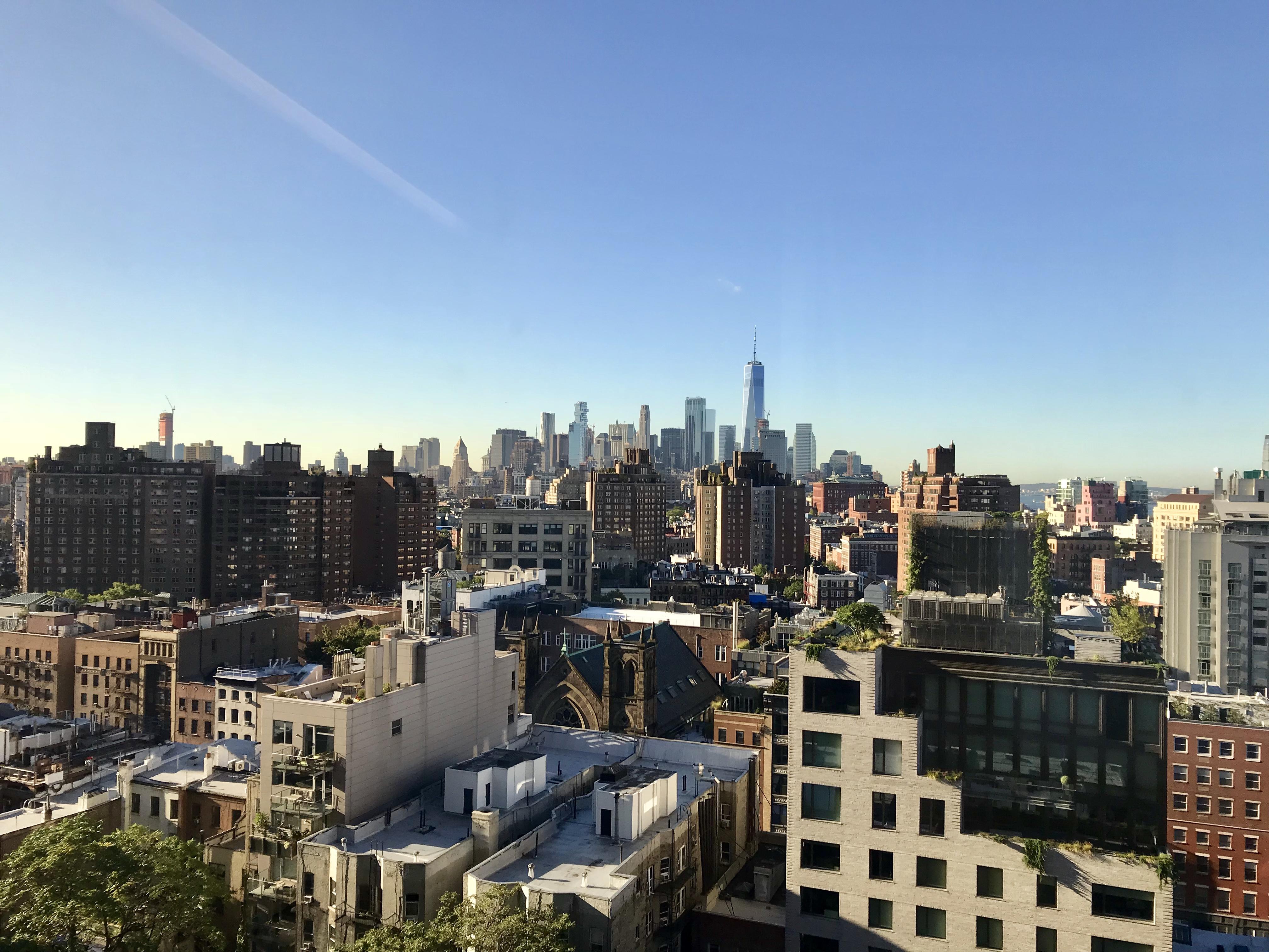 zavtrak-v-ofise-gugla-s-vidom-na-nyu-york